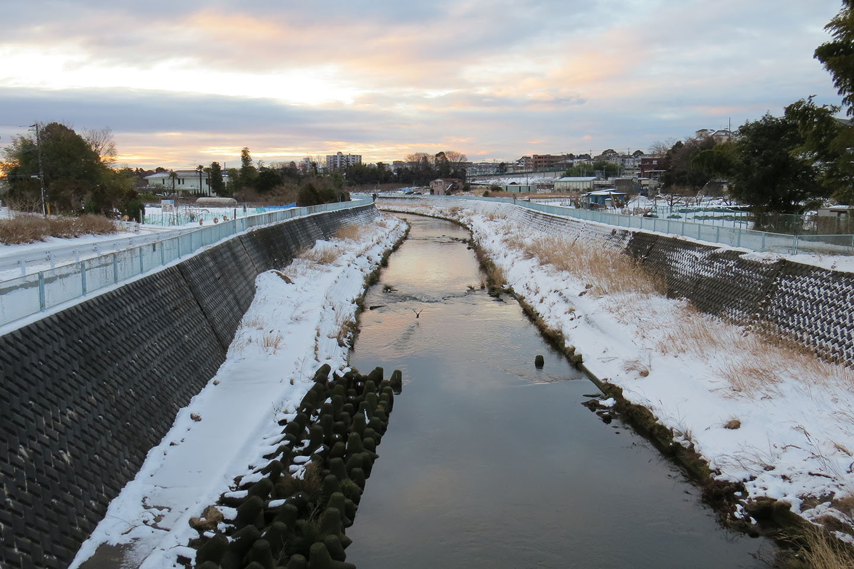 雪の恩田川